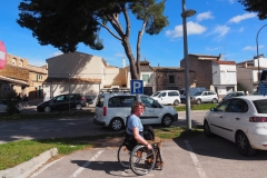 Behindi-Parking in Arta