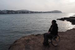 Abends am Meer mit Rollstuhl