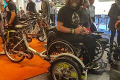 Fahrrad mit Rollstuhlplattform