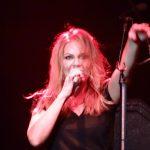 Anna Loos am Microfone